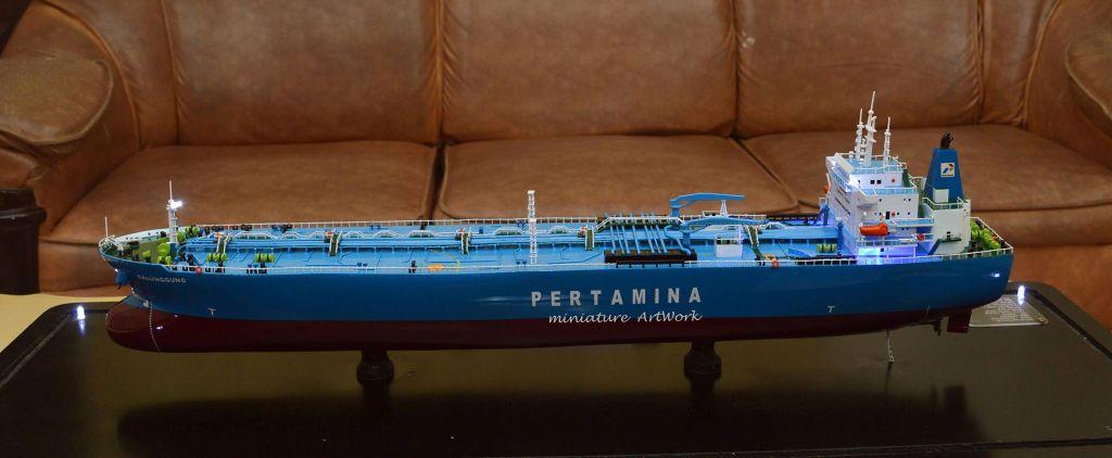 sketsa miniatur kapal crude oil tanker galunggung milik pertamina rumpun art work planet kapal