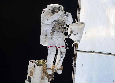 Uzayda yürüyüş rekoru kıran ABD'li kadın astronot kimdir?