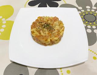 Tartar de salmón y manzana a la mostaza