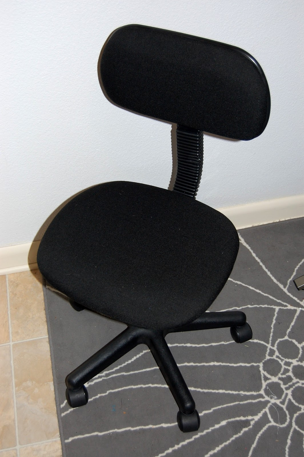 paint it pretty  Reupholster a boring office chair