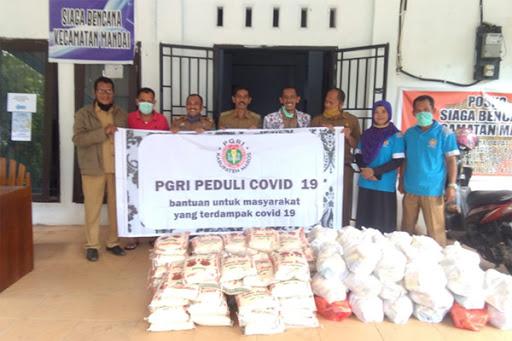 PGRI Maros Aksi Peduli Covid-19