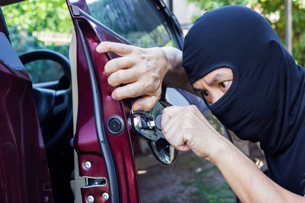 Bảo hiểm mất cắp phụ tùng có thể chi trả cho các rủi ro bị mất gương, đèn… xe ô tô