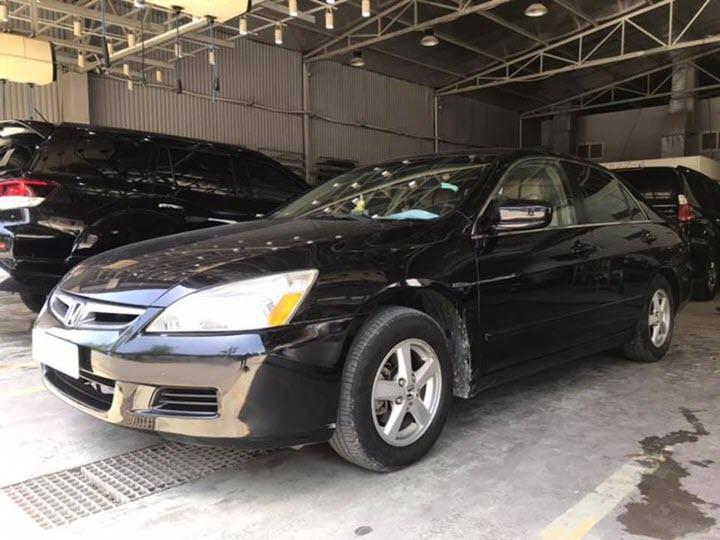Honda Accord 2006 giá chưa tới 300 triệu đồng tại Việt Nam