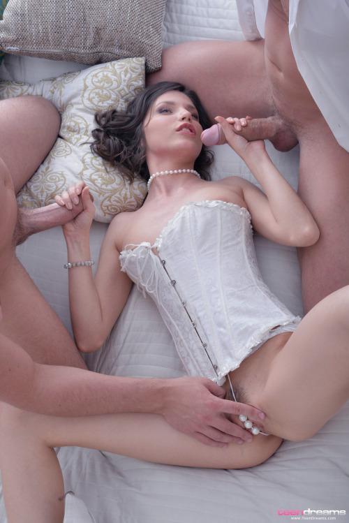 Bbw Wife Threesome Creampie