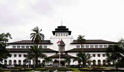 Permaisuri Makanan Khas Kota Bandung West Java
