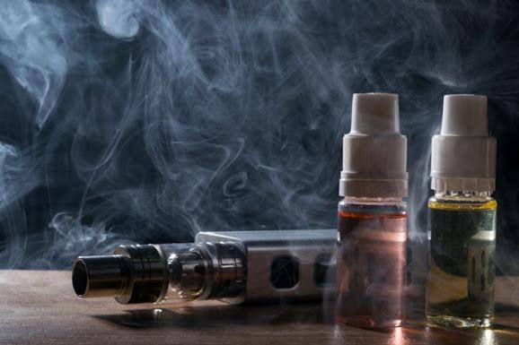 Pengguna rokok elektronik juga lebih berisiko terkena COVID-19