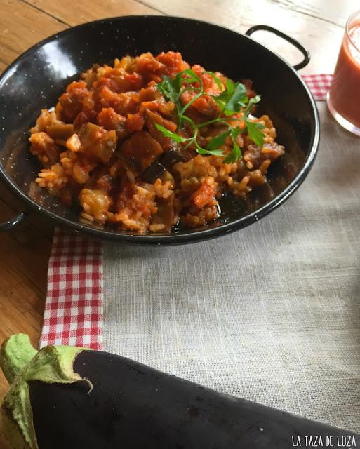 arroz-blanco-con-tomate-frito-y-berenjenas