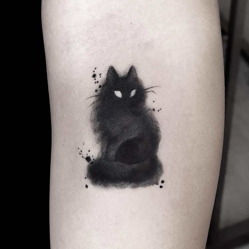 tatuaje de gato negro acuarela