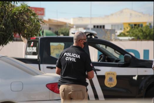 Drogas e armas apreendidas, um homem acusado de integrar o crime é capturado em Caraíva