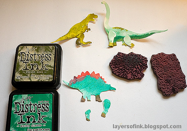 Layers of ink - Dinosaur Cards Tutorial by Anna-Karin Evaldsson. Stamp with texture stamps.