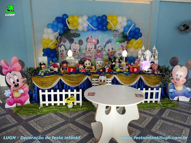 Mesa de aniversário infantil com o tema Disney Baby - festa para comemorar 1 aninho