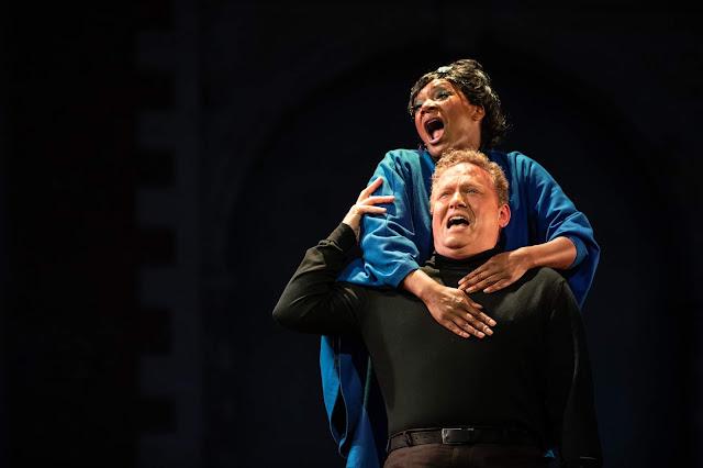 Puccini: Manon Lescaut - Elizabeth Llewellyn, Peter Auty - Opera Holland Park 2019 (Photo Robert Workman)
