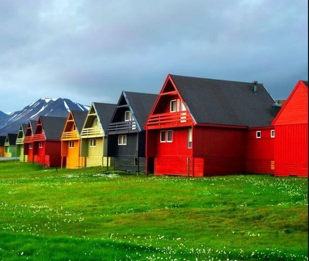 الأماكن العشرة الأقل كثافة بالسكان في العالم
