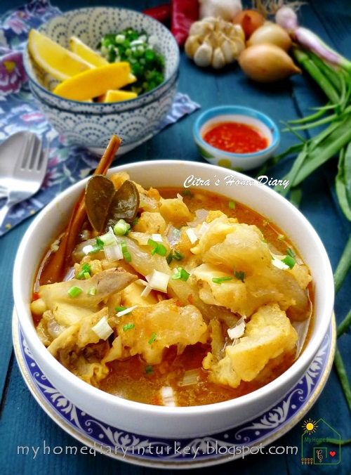 LONTONG KIKIL KHAS SURABAYA / INDONESİAN FOOD; COW FOOT (trotters) SOUP   Çitra's Home Diary. #indonesiancuisine #indonesianfoodrecipe #cowfootrecipe #trottersrecipe #foodcowsoup #lontongkikilsurabaya #reseplontongkikil #resepkikil #resepmasakanindonesia #cowfeetbenefit #soup