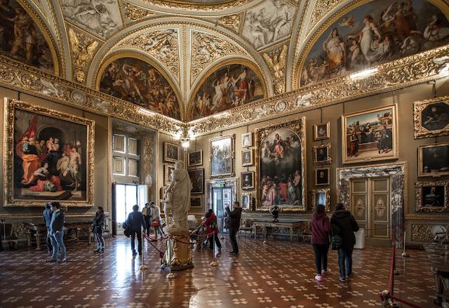 Palazzo Pitti :: Canon EOS5D MkIII | ISO800 | Canon 17-40@17mm | f/4.0 | 1/10s