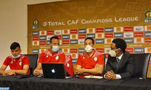 رحلة فريق الوداد الرياضي إلى جوهانسبورغ دليل آخر على إشعاع الكرة المغربية في إفريقيا (السيد العمراني)
