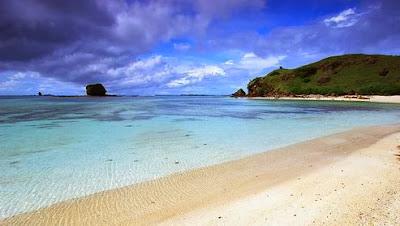 Keindahan Alam Pantai Kuta Lombok