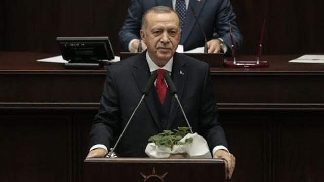 """Ερντογάν: Θα δώσουμε ένα μάθημα στον """"πραξικοπηματία Χαφτάρ"""" εάν συνεχίσει τις επιθέσεις"""