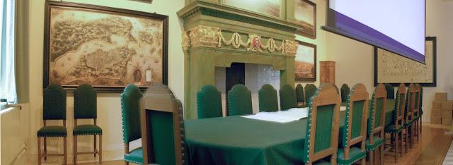 Ruang rapat Heren XVII di Oost-Indisch Huis, kantor administrasi VOC di Amsterdam