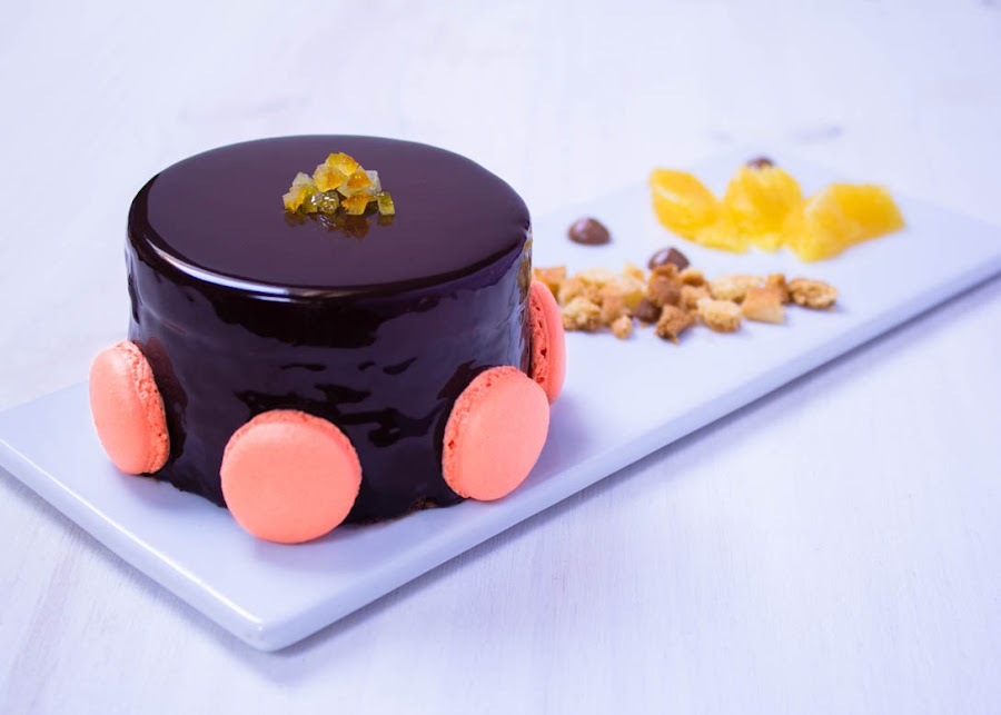 tarta-mousse-chocolate-naranja-macarons
