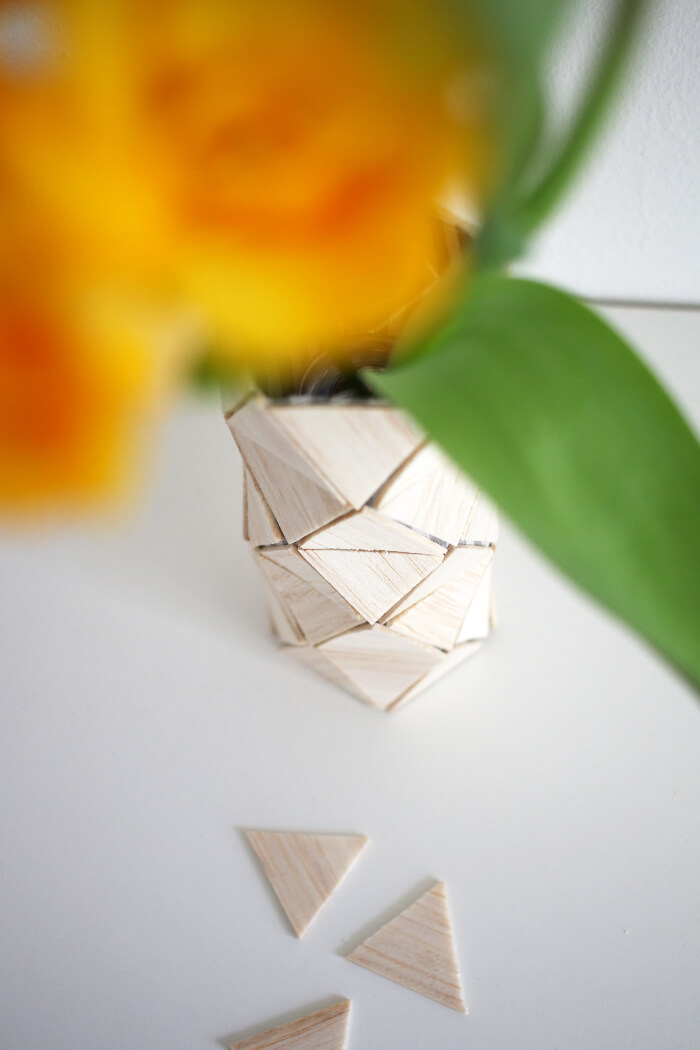 DIY Vase aus Balsaholz selbst basteln.