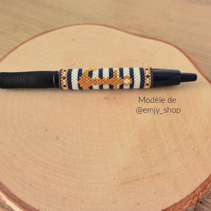 Cover pen ancre en perles Miyuki modèle Emjy Shop tissé par Hello c'est Marine