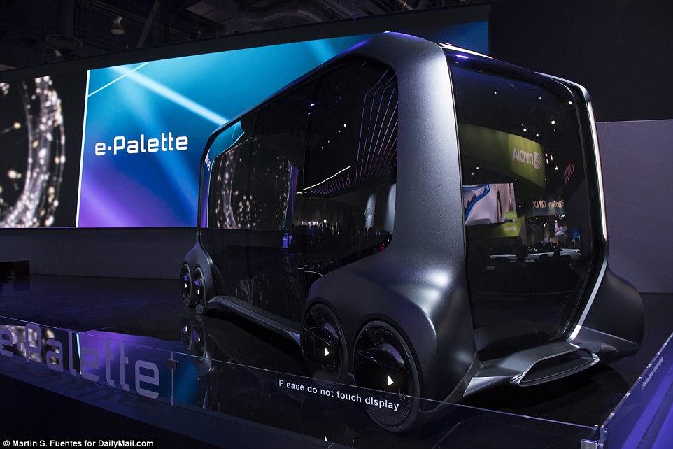 A Toyota revelou seu último veículo de conceito na segunda-feira, com planos para criar uma plataforma móvel para tudo, desde comércio eletrônico e passeios a serviços médicos