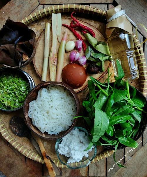 Bahan pangan dari hutan untuk membuat urap shirataki