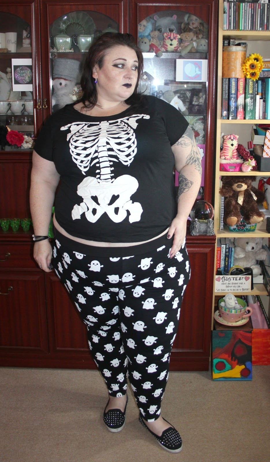 Plus size black and white Halloween outfit
