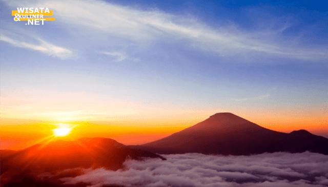 Bukit Sikuner - 10 Tempat Wisata di Dieng Paling Terkenal