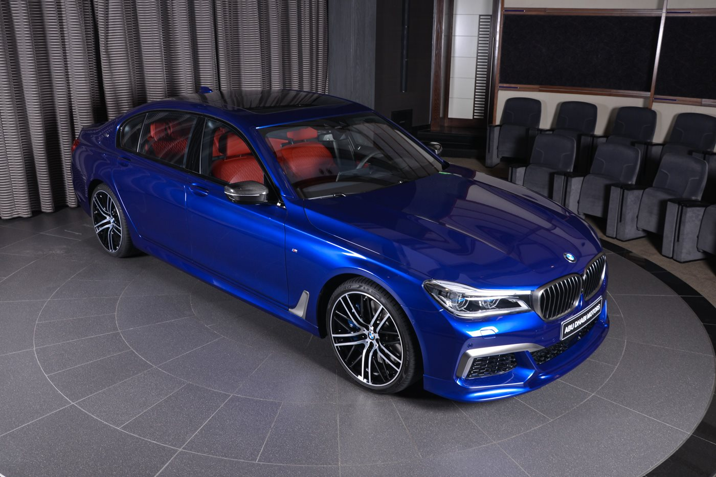 san marino blue bmw m760li looks almost perfect carscoops. Black Bedroom Furniture Sets. Home Design Ideas