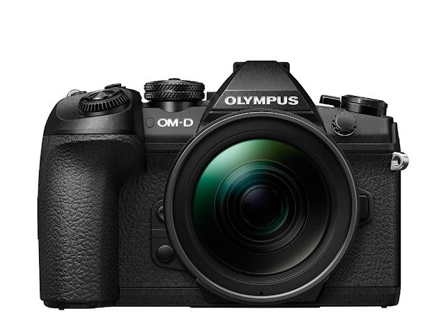 Olympus Om-D E-M1 Mk II vista frontale