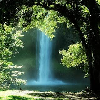 A Cascata do Chuvisqueiro é um dos atrativos mais fotogênicos da cidade de Riozinho