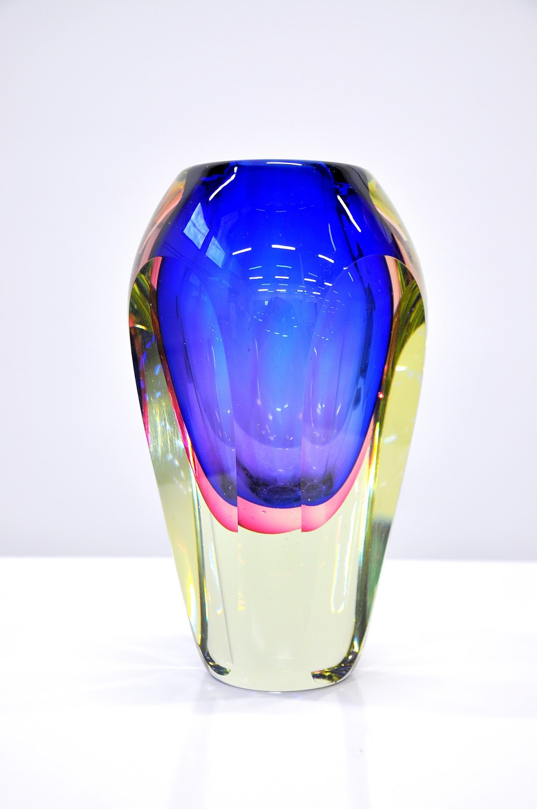 Select Modern Flavio Poli Seguso Murano Glass Sommerso Vase