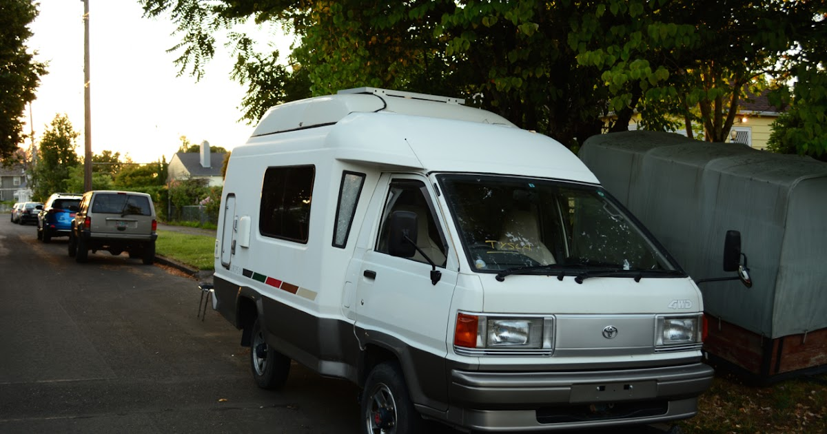 Old Parked Cars 1991 Toyota Liteace European