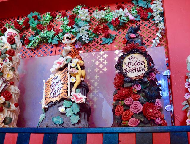Choccywoccydoodah cakes