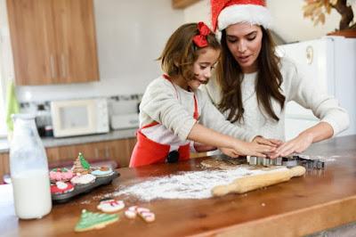navidad galletas, niña y mamá
