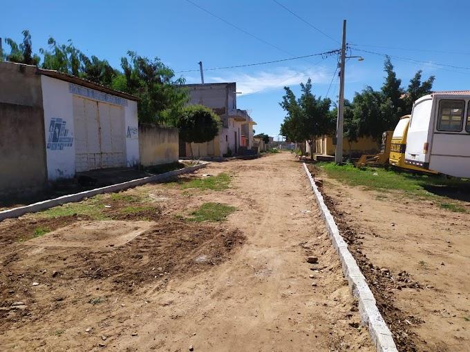 Em Amparo, Prefeitura realiza investimentos em infraestrutura de calçamento em mais uma rua no centro da cidade