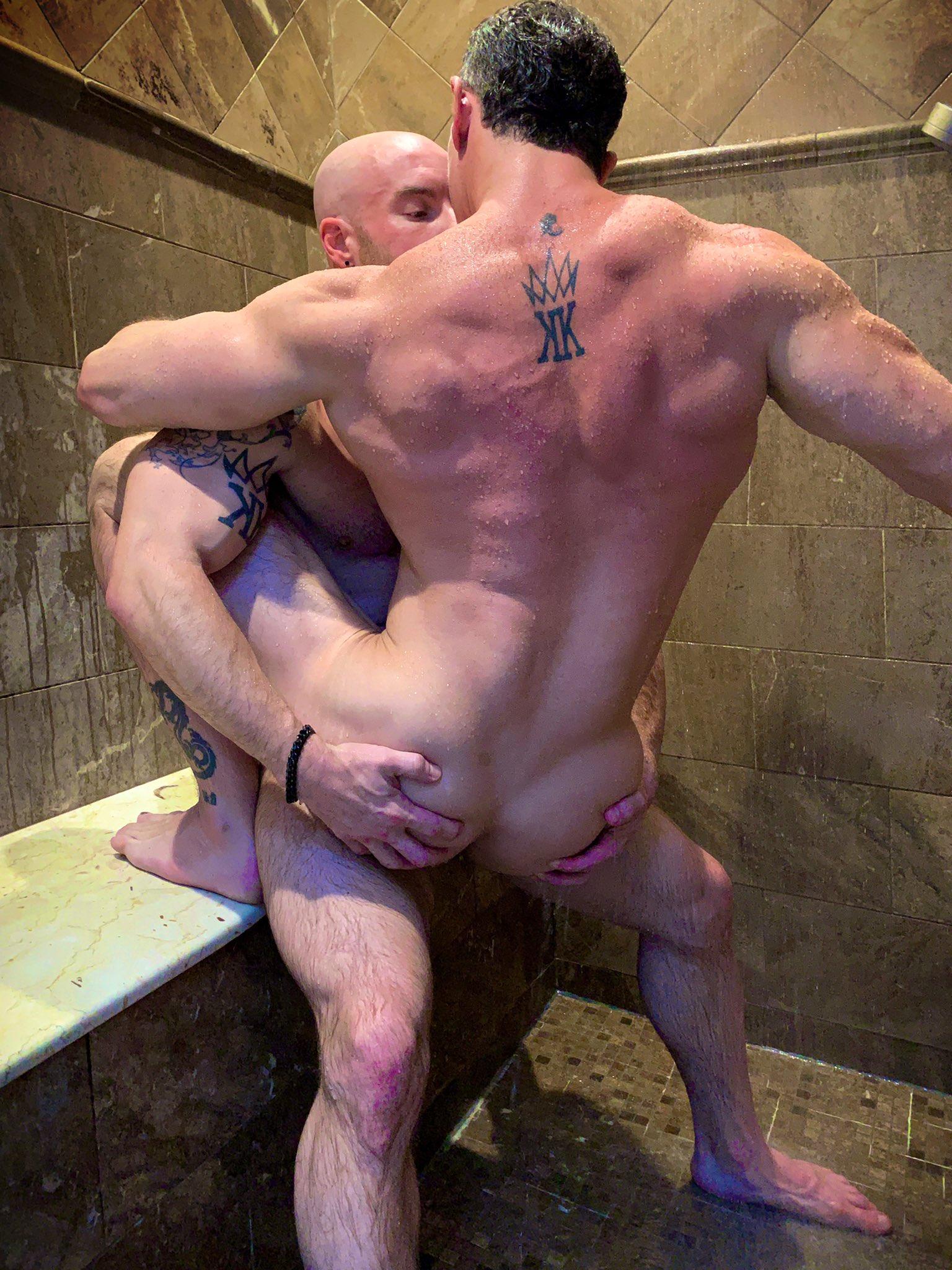 sexo en la ducha, dos
