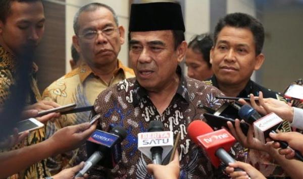 "Ibadah Haji Dibatalkan Sepihak, Menag Fachrul Razi Dihantam Habis-Habisan DPR, ""Anda Gak Ngerti Aturan, Pak Menteri"""
