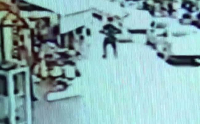 Ο άτυχος άνδρας δέχθηκε επίθεση από κασουάριο, ένα είδος στρουθοκαμήλου.