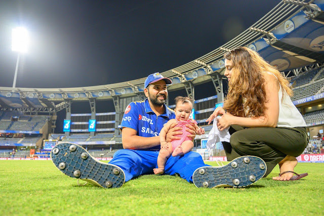 Rohit sharma with his wife and her daughter