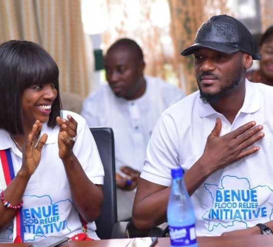 Nigerian lengend singer Tuface Idibia reached out to the flood victims in Benue State. Tuface, who hails from the state visited Benue with his wife actress Annie Idibia, taking along with them relief materials to include food items.