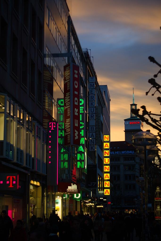 #161 P03-3 Cine Lens f2 50mm – Stuttgart obere Königsstraße am Abend
