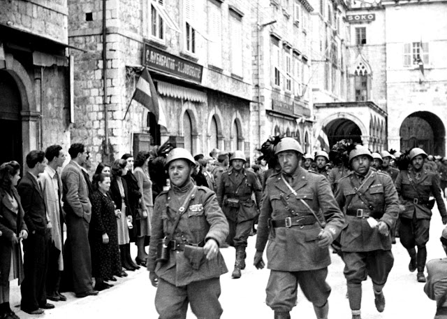 17 April 1941 worldwartwo.filminspector.com Dubrovnik Italian troops