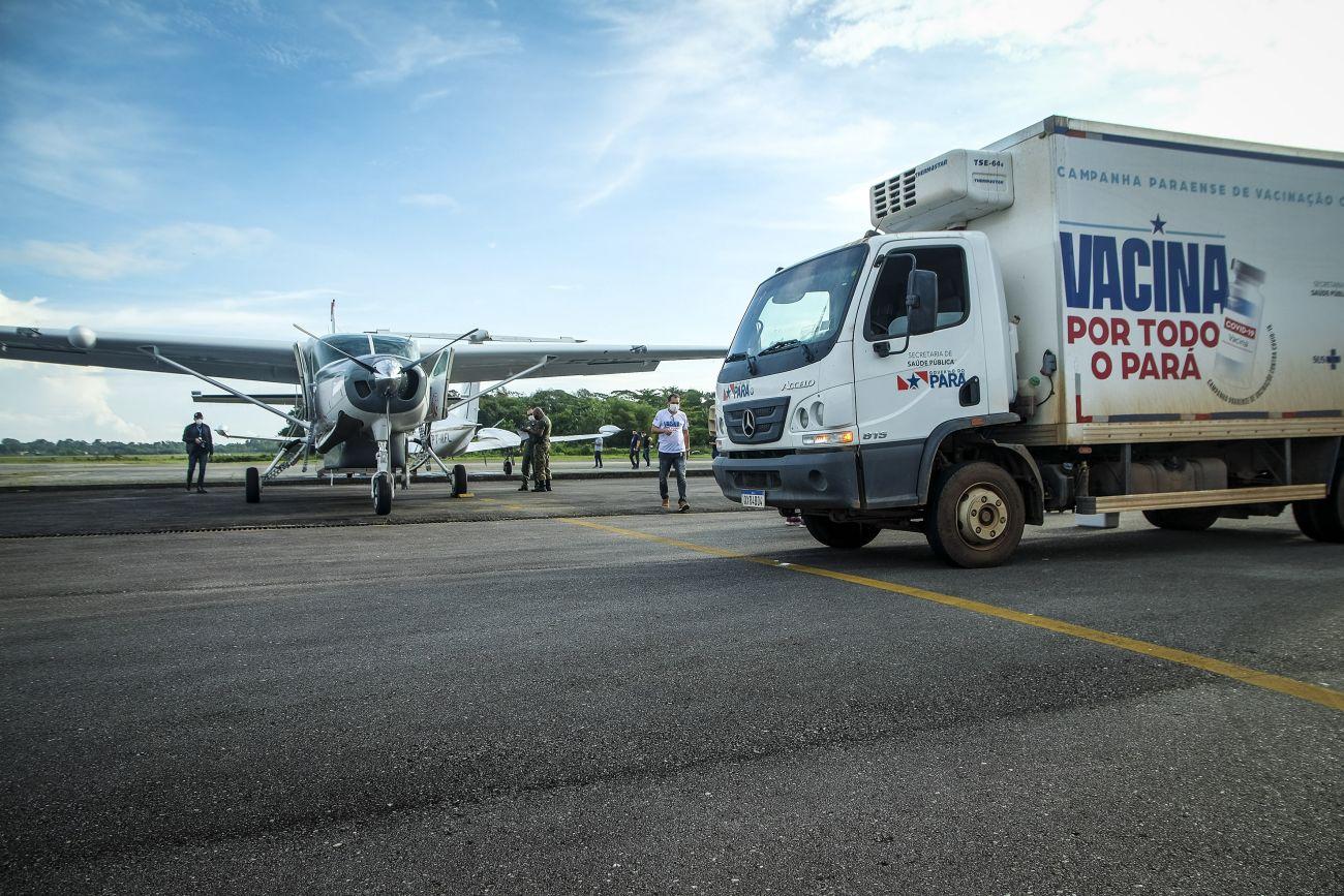 Grupamento aéreo finaliza entrega de 35 mil doses de novas vacinas no Pará