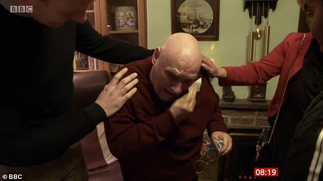 78-летний дедушка на утренней телепрограмме рассказал о своём одиночестве. Но вечером получил подарок, который его растрогал