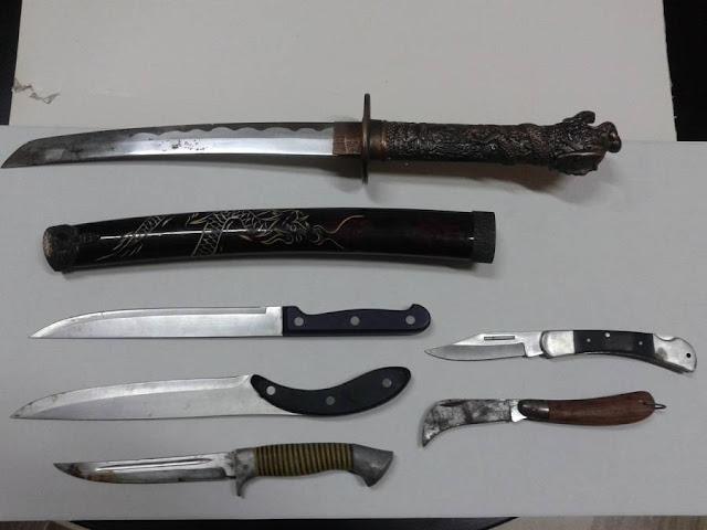 Συλληψη 52χρονου στο Ναύπλιο με μαχαίρια και σουγιάδες