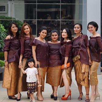 Baju Seragam Pengantin Untuk Pernikahan Keluarga Yang Modis