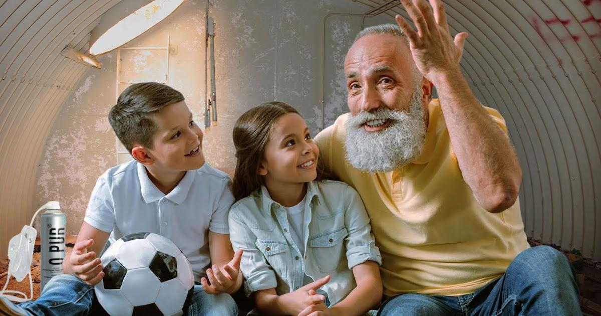 2055: Stolzer Großvater erzählt Enkeln, wie er Zeit der großen Klima-Demos damit verbracht hat, im Internet Umweltschützer zu beschimpfen